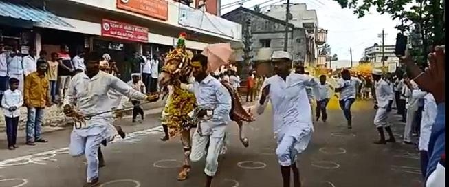 Ambabai's awakening ceremony in Kognoli in excitement   कोगनोळीतील अंबाबाईचा जागर सोहळा उत्साहात