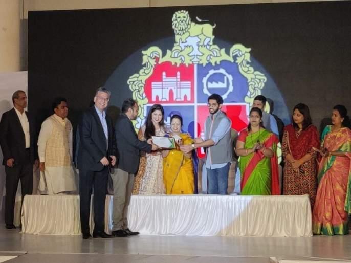 Kohinoor Hospital receives 'Clean Private Hospital' award   कोहिनूर हॉस्पिटलला 'स्वच्छ खाजगी रुग्णालय' पुरस्कार