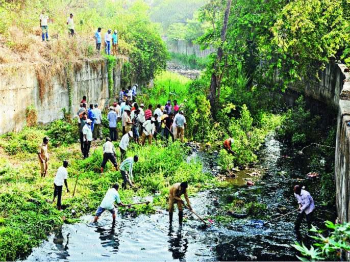 In Kolhapur, Jayanti river has breathed freely, cleaned up with people's participation   कोल्हापुरात जयंती नदीने घेतला मोकळा श्वास, लोकसहभागातून सफाई