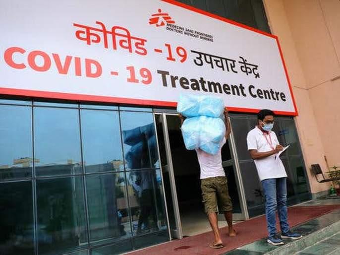 women molested at the Covid Center, doctor suspended | कोविड सेंटरमध्ये विनयभंगकरणारा डॉक्टर बडतर्फ