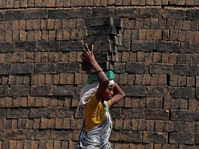 Three and a half lakh construction workers still deprived of government assistance | साडेतीन लाख बांधकाम मजूर सरकारी मदतीपासून अजूनही वंचित, लॉकडाऊनमुळे दोन लाख जणांची पुनर्नोंदणी नाही