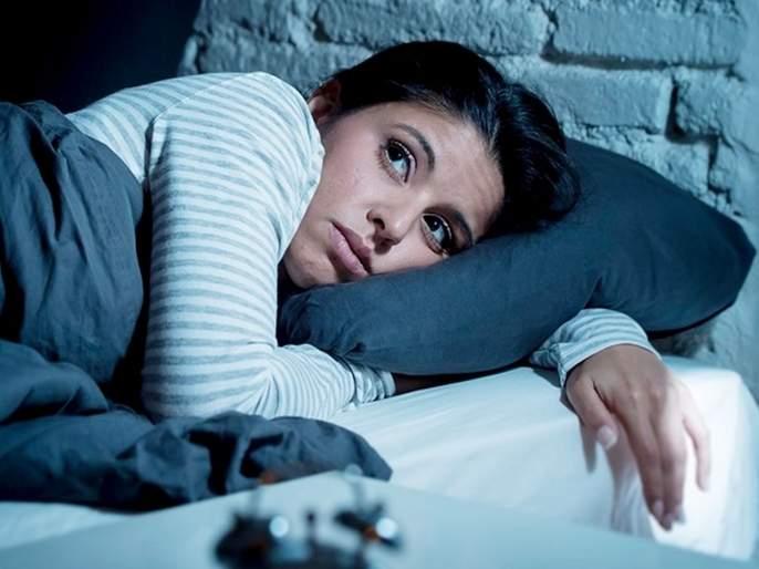 Lack of sleep affects bone health in women   कमी झोप घेतल्याने महिलांना होते 'ही' गंभीर समस्या, दुर्लक्ष करणं पडू शकतं महागात
