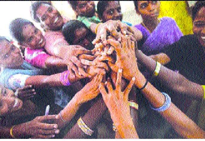 Women should not tolerate injustice | महिलांनी अन्याय सहन करू नये : चाकणकर