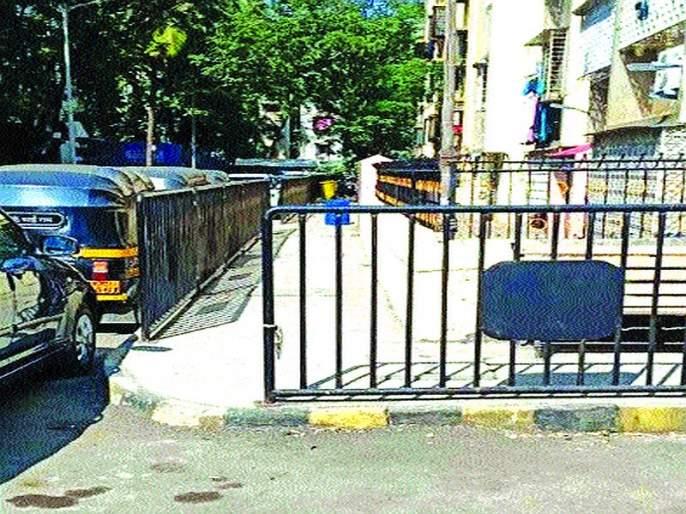 Opposition to guard patrols of sidewalks in Shantinagar | शांतीनगरमध्ये पदपथांच्या संरक्षक जाळ्यांना विरोध