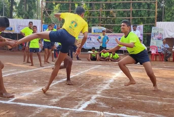 Kabaddi: Sharadashram Vs. DeSouza School The final fight will play | कबड्डी : शारदाश्रम वि. डिसोझा स्कूलमध्ये अंतिम लढत
