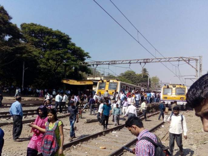 Wrong procession from the railway, the railway passenger reached the direct carshade | रेल्वेकडून चुकीची उद्घोषणा, रेल्वेप्रवासी पोहचले थेट कारशेडला