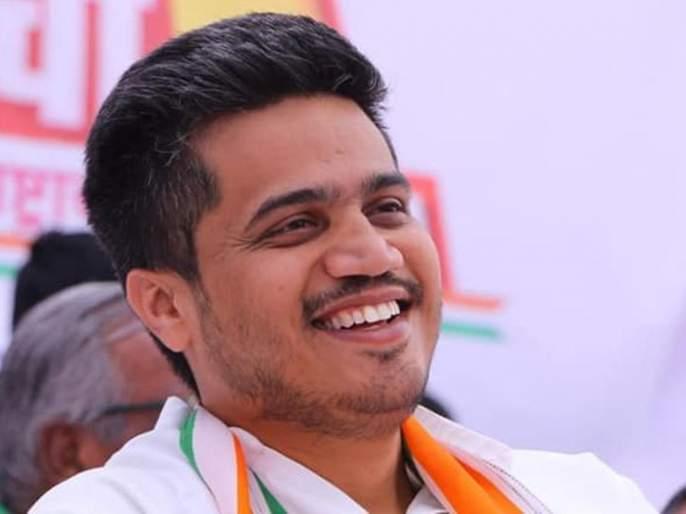 Rohit Pawar criticizes Modi government over Valentine Day | 'व्हॅलेंटाइन डे'च्या शुभेच्छा देताना रोहित पवारांचा मोदी सरकारला चिमटा!