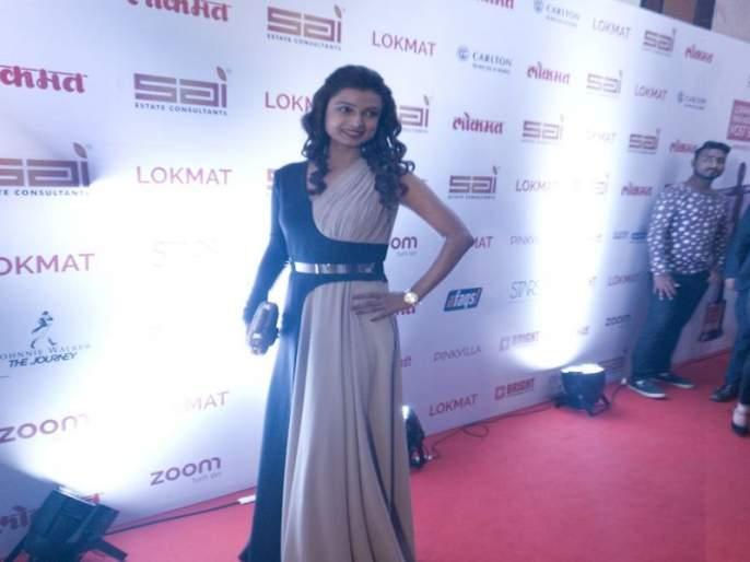 Stylish Style of Actress Sai Tamhankar, Revolution Redkar | महाराष्ट्राज मोस्ट स्टायलिश अवॉर्ड्स सोहळ्यात सेलिब्रिटींचा स्टायलिश अंदाज
