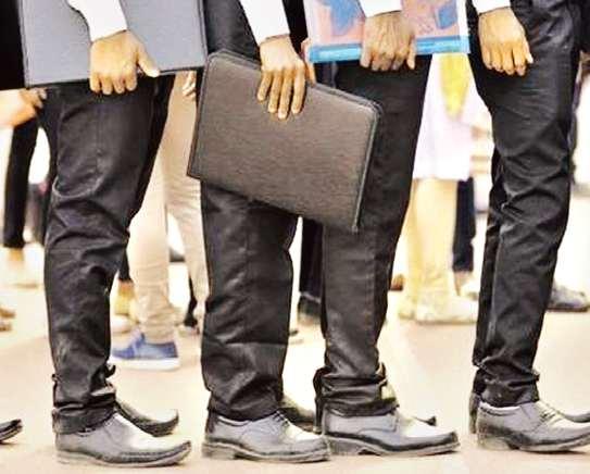 Less than 3 lakh jobs created this year; SBI report | अपेक्षेपेक्षा तब्बल १६ लाख रोजगारांची यंदा कमी निर्मिती;एसबीआयचा अहवाल