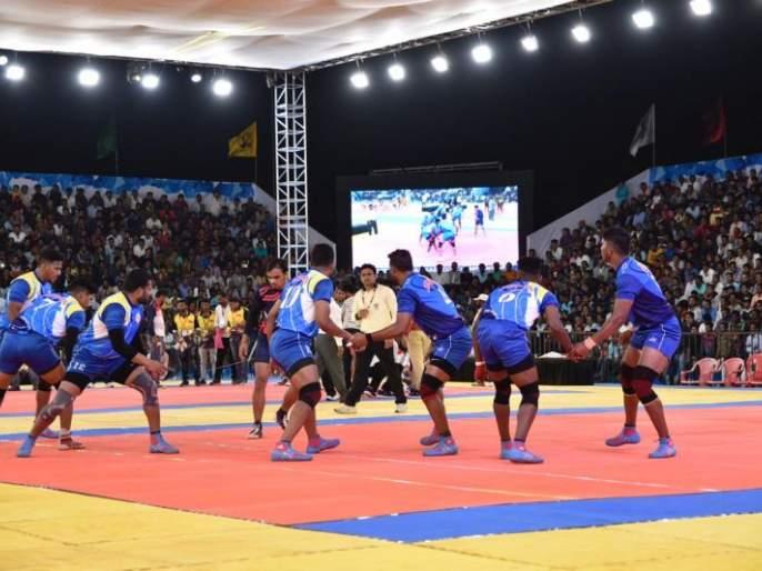 Maharashtra's easy victory in 66th Men's National Kabaddi Tournament   66 व्या पुरुष राष्ट्रीय कबड्डी स्पर्धेत महाराष्ट्र संघाचा सहज विजय