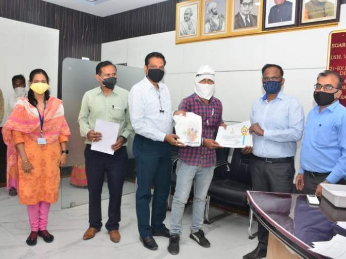 Beginning of agricultural energy parva; Honoring 50 farmers with certificates | कृषी ऊर्जा पर्वाची सुरुवात; ५० शेतकऱ्यांचा सन्मानपत्र देऊन सत्कार