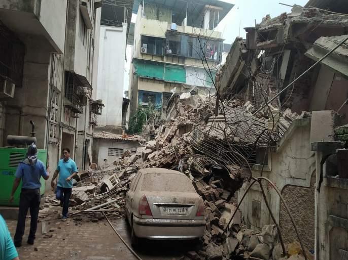 Mahek building collapses in Ulhasnagar | उल्हासनगरमध्ये महेक इमारत कोसळली