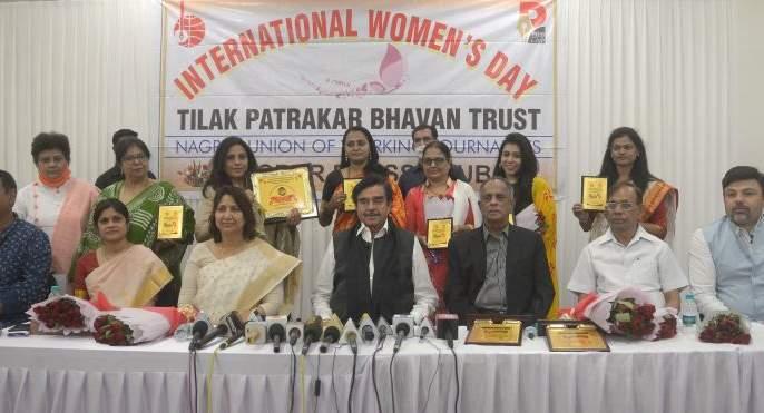 Vertebra in the name of woman Society running : Shatrughan Sinha | महिला नावाच्या कण्यावरच समाजाची वाटचाल : शत्रुघ्न सिन्हा