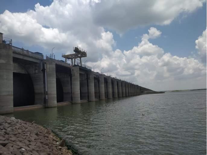 Majalgaon Dam still in dead storage; Only water level increased by one and a half meters | माजलगाव धरण अद्यापही मृत साठ्यात; केवळ दीड मीटरने वाढली पाणीपातळी