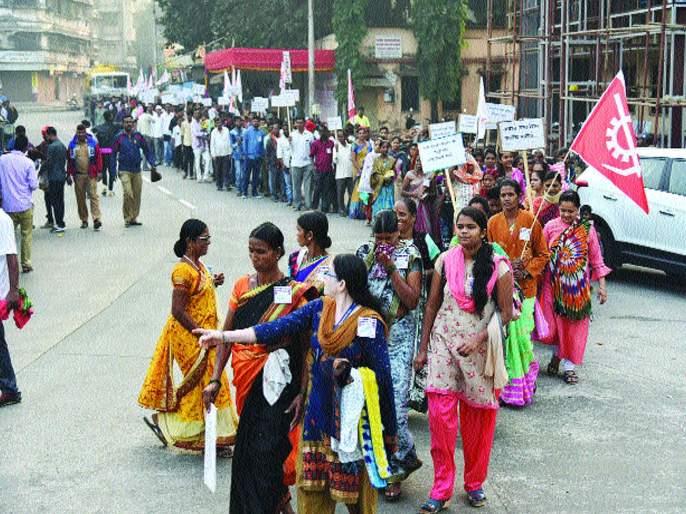 Panvel municipal corporation employees March on Mantralaya | पनवेल महानगरपालिका कर्मचाऱ्यांचा मंत्रालयावर मोर्चा, प्रश्न सोडविण्याचे नगरविकासमंत्र्यांचे आदेश
