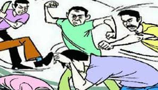 The boy was beaten up for allegedly abducting his brother | भावाला शिवीगाळ केल्याचा जाब विचारल्याने तरुणाला कोयत्याने मारहाण