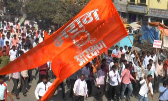 In the Maratha Reservation Hearing, the petitioner filed a complaint with the High Court | मराठा आरक्षण सुनावणीत याचिकाकर्त्याचा चक्क खंडपीठालाच विरोध