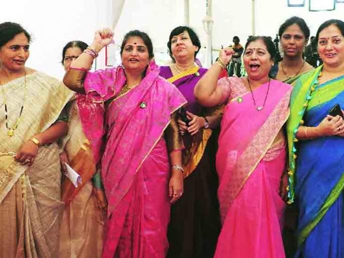 Women have little voice in the Assembly; Only 5 percent of the 4 percent of voters represented | विधानसभेत महिलांचा आवाज कमीच; ५०% मतदार असणाऱ्यांचे केवळ ७ टक्के प्रतिनिधित्व