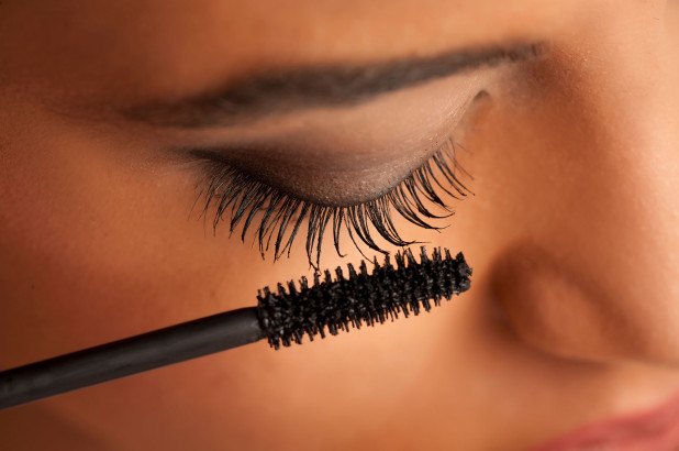 Easy home makeup options in the rush of Diwali | दिवाळीच्या घाई गर्दीत घरच्या घरी मेकअपचे सोपे पर्याय