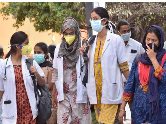Coronavirus: All persons moving in public places for whatever reason must wear 3-ply mask or cloth mask compulsorily vrd | Coronavirus: सार्वजनिक ठिकाणी मास्क घालणे बंधनकारक; मास्क नसल्यास होणार अटक