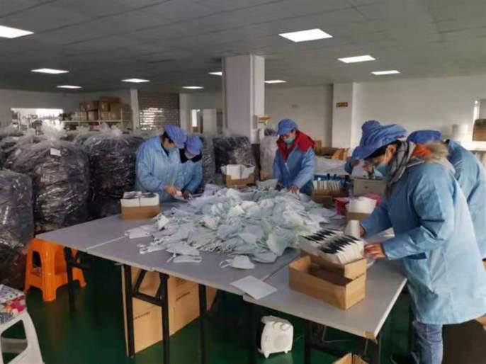 coronavirus: police seized the corona mask rsg   coronavirus : पुण्यात पाेलिसांनी पकडला नामवंत कंपनीच्या मास्कचा साठा