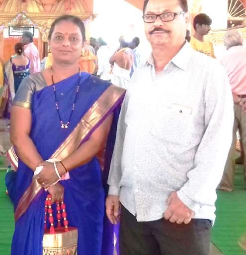 Husband Kidney gave wife for safe custody   सौभाग्याच्या रक्षणासाठी पत्नीने दिली पतीला किडनी