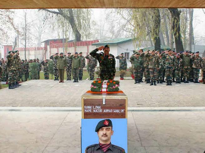 Leaving the path of terrorism a martyr for the country ... Najir Wani will be honored with Ashok Chakra | दहशतवादाचा मार्ग सोडून देशासाठी झाले शहीद...नाझीर वानी अशोक चक्राने होणार सन्मानित