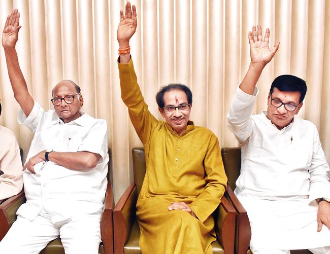 Flexible in the Mahavikas front; sharad Pawar, Thorat met the Chief Minister | महाविकास आघाडीत चलबिचल; पवार, थोरात मुख्यमंत्र्यांना भेटले
