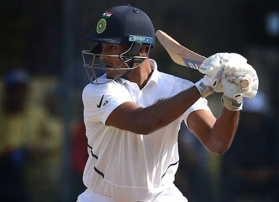 NZ vs IND: India have three blows in the first session, 3 for 79 in 28 overs. | NZ vs IND: पहिल्या सत्रात भारताला तीन धक्के, २८ षटकांत ३ बाद ७९
