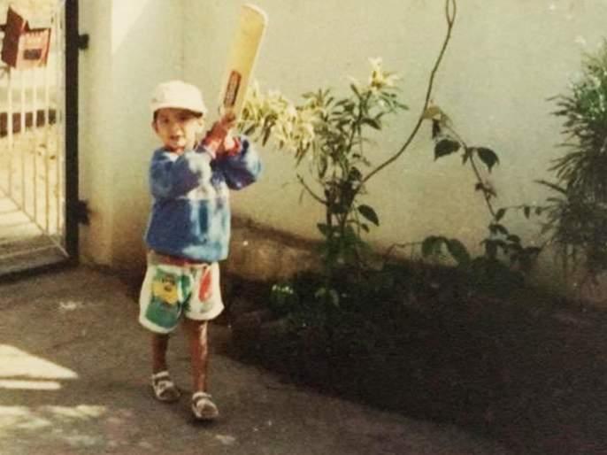 Team India Test Opener Mayank Agarwal share his childhood photo, svg   टीम इंडियाच्या ओपनरला ओळखलंत का? ऑस्ट्रेलियात पदार्पण करताना मोडलेला ७१वर्षांपूर्वीचा विक्रम