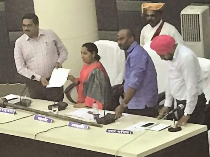 Nanded Mayor Sheela Bhavare resigns | नांदेडच्या महापौर शीला भवरे यांचा राजीनामा