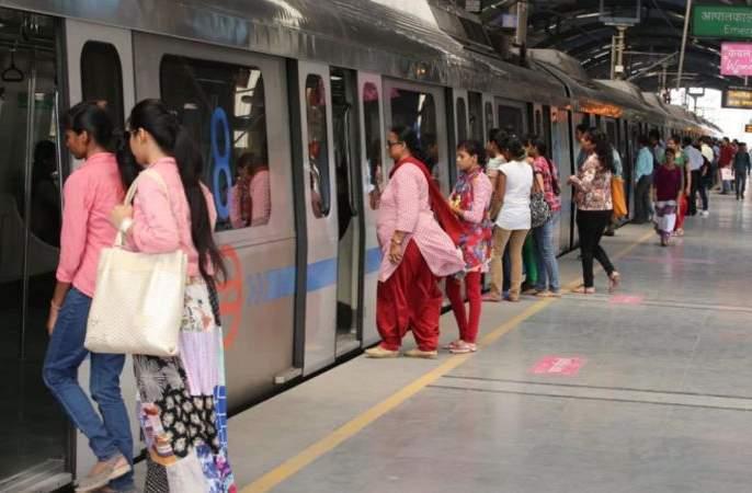 corona virus: Metro service shut down on public curfew, Delhi government's big decision   corona virus : 'जनता कर्फ्यू'दिनी मेट्रो सेवा बंद, दिल्ली सरकारचा मोठा निर्णय
