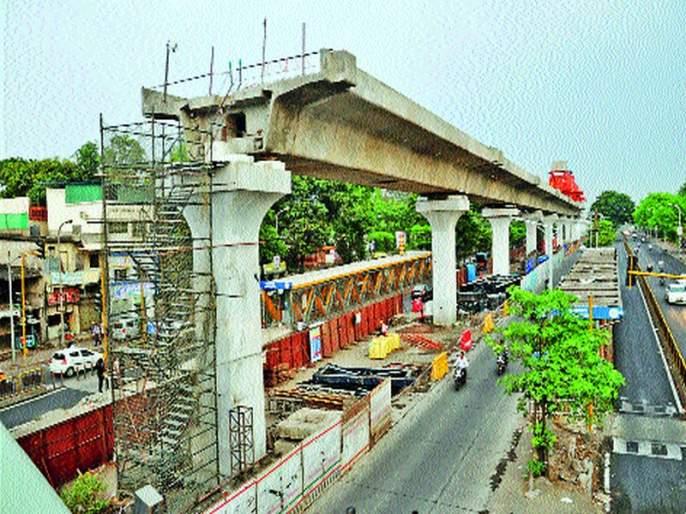 Thirty thousand rupees fine for Metro contractor | मेट्रोच्या ठेकेदारालातीस हजार रुपयांचादंड : कोथरूड बावधन क्षेत्रिय कार्यालयाने केली कारवाई