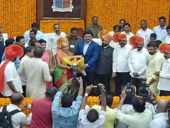 Naresh Mhaske, Mayor of Thane, Pallavi Kadam elected Deputy Mayor | ठाणे महापौरपदी नरेश म्हस्के, उपमहापौरपदी पल्लवी कदम यांची बिनविरोध निवड