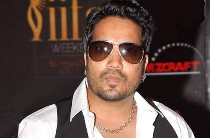 Mika Singh's Musical Night Has Not Done: Organizers grabbed 12 Lakhs | मिका सिंगची म्युझिकल नाईट झालीच नाही : आयोजकांनी हडपले १२ लाख