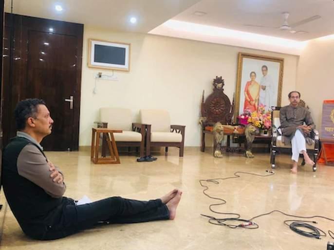 ... Milind Narvekar was sitting down during the interview of Uddhav Thackeray; Photo viral   ...अन् उद्धव ठाकरेंच्या मुलाखतीवेळी मिलिंद नार्वेकर बसले होते खाली; फोटो व्हायरल