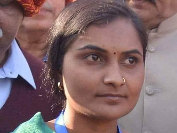 Vaishali Yede ignored by voters | शेती अन् मातीसाठी लढणाऱ्या वैशाली येडेंना मतदारांनी डावलले