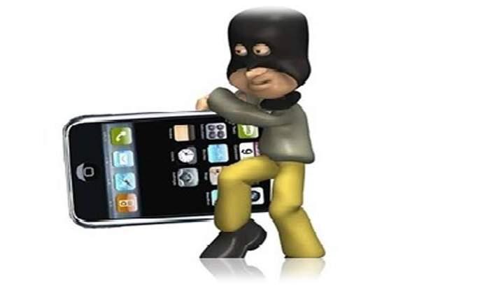 Dallas on mobiles in Vaibhavwadi | वैभववाडीत अज्ञात चोरट्याने भरदुपारी मारला मोबाईलवर डल्ला