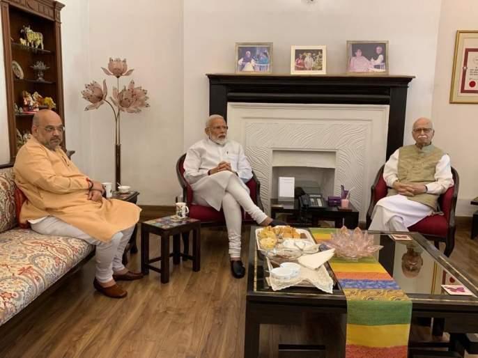 PM Narendra Modi, Amit Shah visit LK Advani, MM Joshi after massive victory | विजयानंतर नरेंद्र मोदी ज्येष्ठ नेत्यांच्या घरी;अडवाणी, मुरली मनोहर जोशींचे घेतले आशीर्वाद