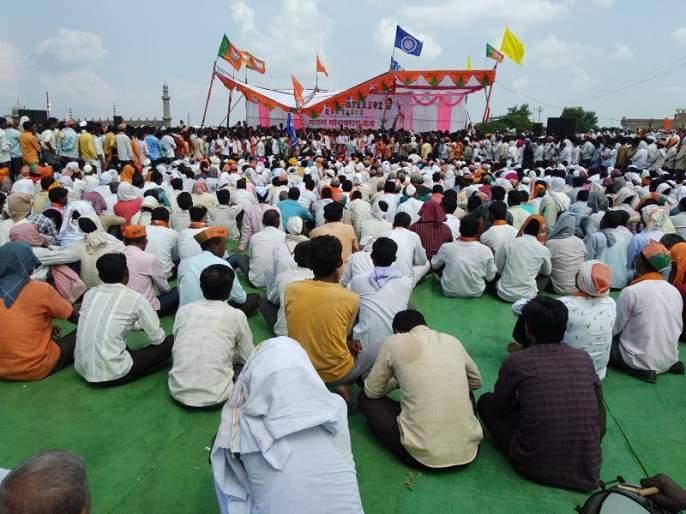Maharashtra Election 2019: Shivsena-BJP candidate Mohan Phad's party staged collapsed in Pathari | Maharashtra Election 2019 : क्षमतेपेक्षा जास्त पदाधिकारी चढल्याने युतीच्या उमेदवाराचा स्टेज कोसळला
