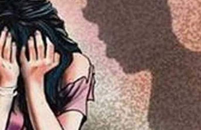 Azad Khan arrested in molestation case | महिलेच्या विनयभंग प्रकरणी आझाद खानविरुद्ध गुन्हा दाखल
