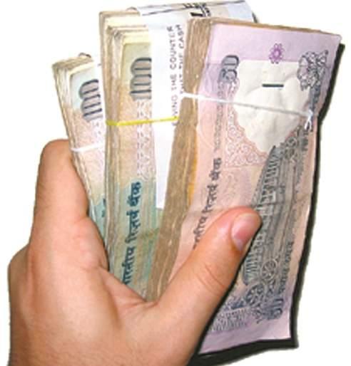Spend money in cash and be rich! | पैसा रोखीनं खर्च करा आणि व्हा श्रीमंत!