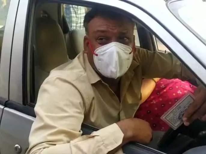 CoronaVirus News Bsf Jawan Crying And Moving By Car With Covid Positive Wife For Bed In Hospital At Rewa   CoronaVirus News: मी देशासाठी मरतो, पण माझ्या पत्नीला उपचार मिळेनात; BSF जवानाचा आक्रोश
