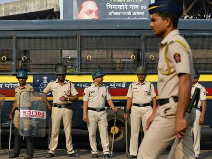 Police take action on rioters over 10 thousand in fron of vidhan sabha election | पोलिसांकडून साडेदहा हजारावर गुंडांवर कारवाई, विधानसभा निवडणुकीची तयारी