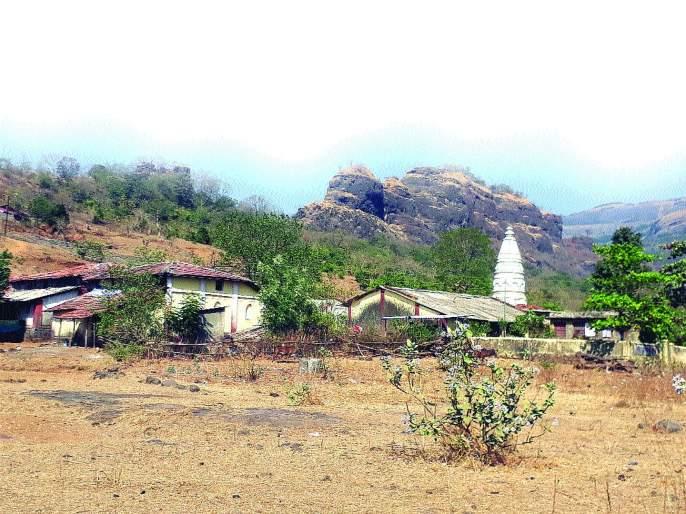 Durgavir's work for Enhancement of Mrugagad | मृगगडाच्या संवर्धनासाठी दुर्गवीरांचे श्रमदान, जपला जातोय ऐतिहासिक वारसा