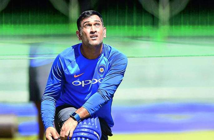 ICC World Cup 2019: MS Dhoni's place in the squad for next Friday will be decided   ICC World Cup 2019 : येत्या शुक्रवारी ठरणार धोनीचे संघातील स्थान
