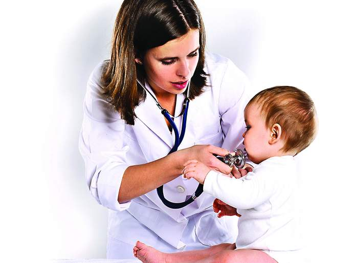 Why parents getting panic when thier kids suffer from small health problem?   लहान मुलांचं दुखणं खुपणं आणि आई बाबांची पंचाईत.