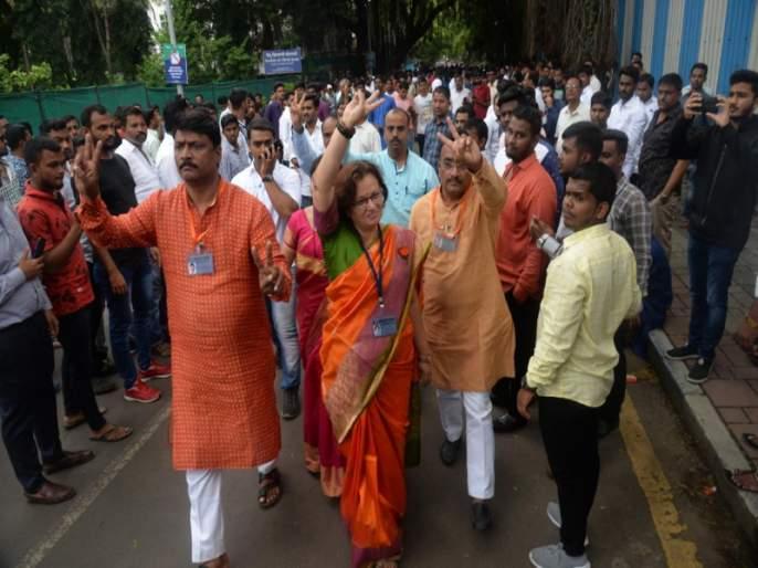 Maharashtra Election result : Mukta tilak victory on congress Arvind shinde in Pune   पुणे निवडणूक 2019: पुण्यात भाजपाच्या मुक्ता टिळक कसब्यातून २८ हजार मतांनी विजयी