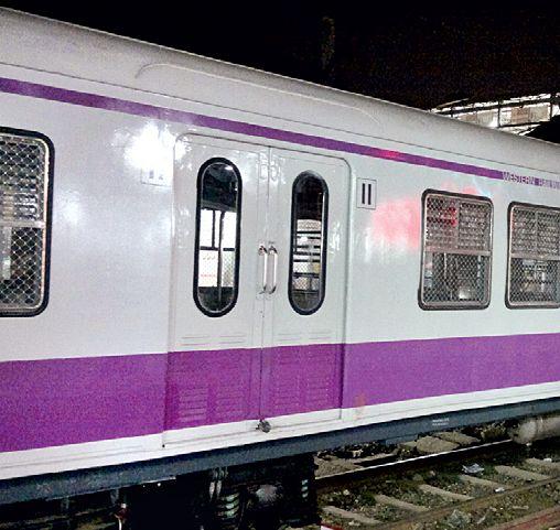 Rush for the inauguration of the Railway Administration as the code of conduct will ever be | आचारसंहिता कधीही लागेल म्हणून रेल्वे प्रशासनाची उद्घाटनासाठी लगबग