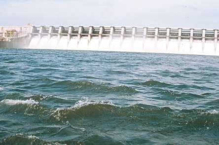 Vision - Marathwada will get water from the western rivers! | दृष्टिकोन - पश्चिमवाहिनी नद्यांचे पाणी मराठवाड्याला मिळणार!